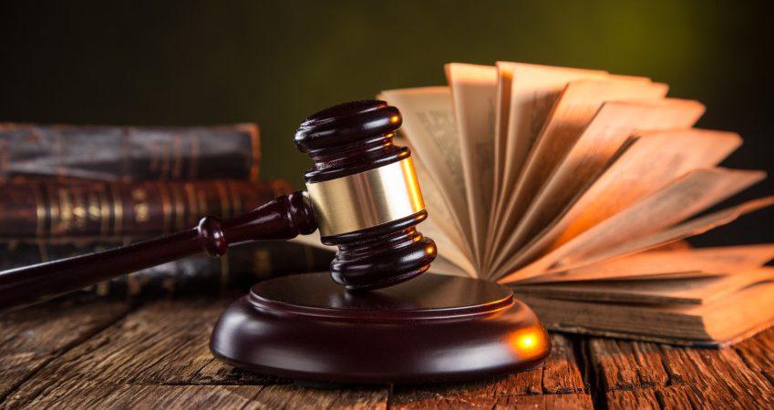 Des immigrés déclarent que des avocats les ont escroqués et qu'ils risquent l'expulsion