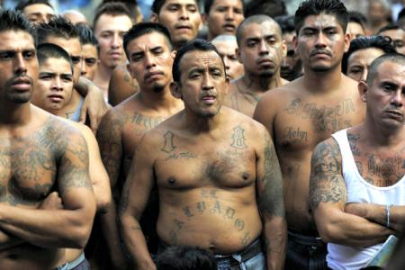 Le MS-13 est un gang de rue, pas un cartel de la drogue, une différence qui compte.